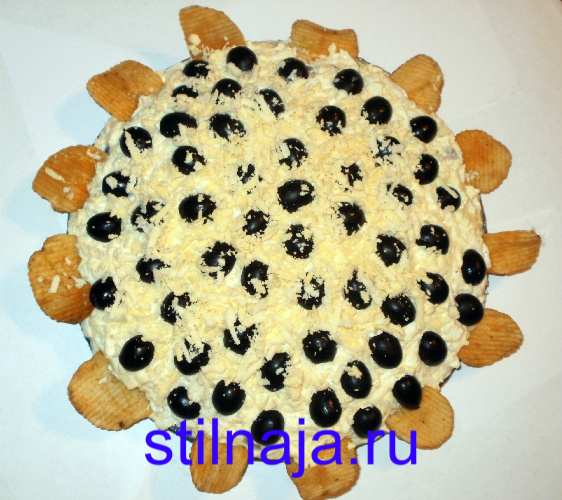 салат Подсолнух, рецепт с чипсами фото 8