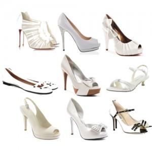 Белые женские туфли.