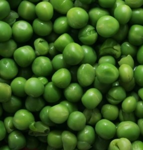 Салаты с зеленым горошком.